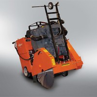 Clipper C3130 30IN Gas Concrete Saw - Self Propelled
